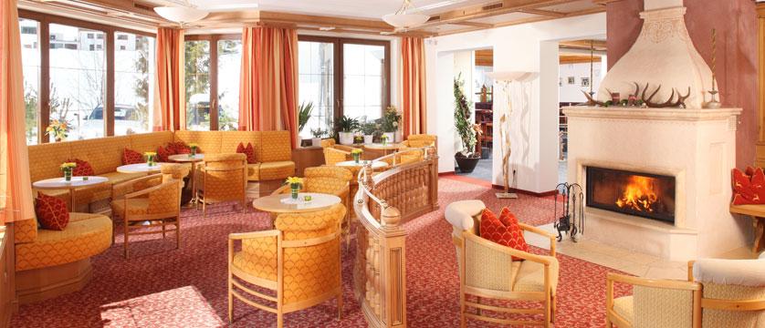 Hotel Büntali, Galtür, Austria - Lounge.jpg